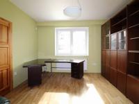 pracovna (Prodej domu v osobním vlastnictví 190 m², Mladá Boleslav)