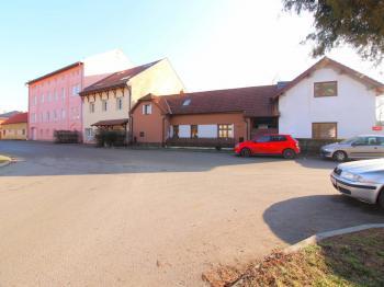 Prodej domu v osobním vlastnictví 130 m², Želízy