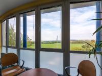 výhled z kanceláře vedení - Prodej komerčního objektu 2000 m², Strančice