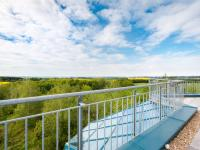 výhled ze západní terasy - Prodej komerčního objektu 2000 m², Strančice