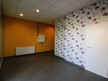 Pronájem obchodních prostor 24 m², Praha 4 - Kamýk