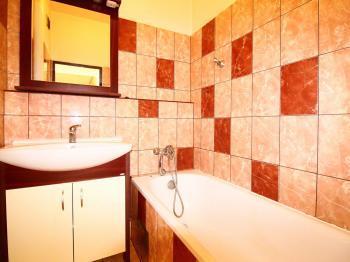 koupelna - Prodej bytu 2+1 v osobním vlastnictví 63 m², Praha 10 - Vršovice