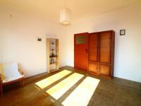 pokoj 1 od okna - Prodej bytu 2+1 v osobním vlastnictví 63 m², Praha 10 - Vršovice