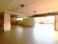 garáž - Prodej bytu 2+kk v osobním vlastnictví 64 m², Praha 4 - Braník