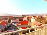 výhled z lodžie - Prodej bytu 2+kk v osobním vlastnictví 64 m², Praha 4 - Braník