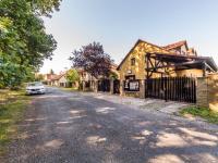 Prodej domu v osobním vlastnictví 280 m², Praha 9 - Újezd nad Lesy