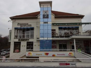 Pronájem zavedené pizzerie v centru Uherského Brodu - Pronájem komerčního objektu 520 m², Uherský Brod