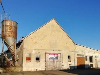 Prodej 2 zemědělských objektů v Kelči- okr. Vsetín - Prodej zemědělského objektu 1987 m², Kelč