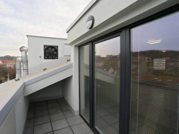 Pronájem bytu 1+kk s terasou a parkovacím stáním, Brno Židenice - Pronájem bytu 1+kk v osobním vlastnictví 28 m², Brno