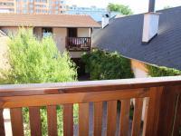 Pohled ze společného balkonu - Pronájem bytu 1+kk v osobním vlastnictví 37 m², Brno