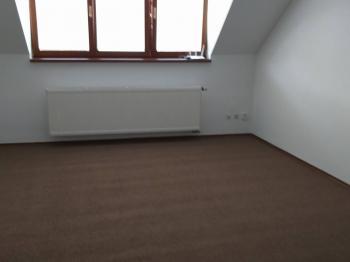 Pokoj - Pronájem bytu 1+kk v osobním vlastnictví 37 m², Brno