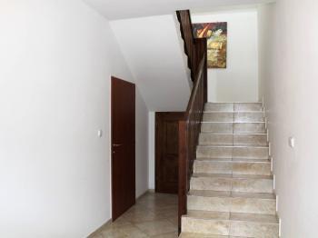 Vchod do poschodí - Pronájem bytu 1+kk v osobním vlastnictví 37 m², Brno
