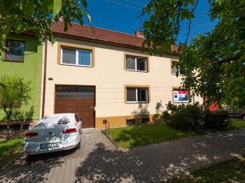 Prodej domu v osobním vlastnictví 244 m², Ostrožská Nová Ves