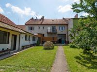 pohled ze dvora - Prodej domu v osobním vlastnictví 244 m², Ostrožská Nová Ves