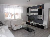 obývací pokoj v patře (Prodej domu v osobním vlastnictví 280 m², Petrůvka)