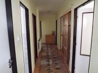 chodba přízemí (Prodej domu v osobním vlastnictví 280 m², Petrůvka)