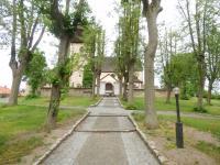 Místní kostel (Prodej pozemku 6962 m², Králova Lhota)
