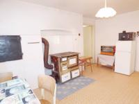 Kuchyně a kachlová kamna (Prodej domu v osobním vlastnictví 70 m², Vysoký Chlumec)
