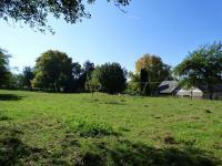 Zahrada přes cestu (3395m2) (Prodej domu v osobním vlastnictví 70 m², Vysoký Chlumec)