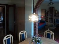 Kuchyně apartmánu s obývací částí (Prodej penzionu 375 m², Dramalj)