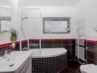 Koupelna (Prodej bytu 3+kk v osobním vlastnictví 80 m², Praha 10 - Záběhlice)