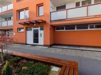 Vchod - Prodej bytu 2+1 v osobním vlastnictví 55 m², Praha 4 - Modřany