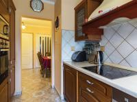 Pohled z kuchyně do haly - Prodej bytu 3+1 v družstevním vlastnictví 67 m², Praha 4 - Chodov
