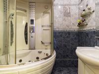 Koupelna s vanou - Prodej bytu 3+1 v družstevním vlastnictví 67 m², Praha 4 - Chodov