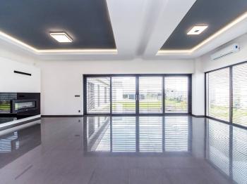 Obývací hala - Prodej domu v osobním vlastnictví 180 m², Čestlice