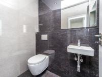 Samostatné WC - Prodej domu v osobním vlastnictví 180 m², Čestlice