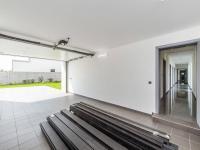 Garáž - Prodej domu v osobním vlastnictví 180 m², Čestlice