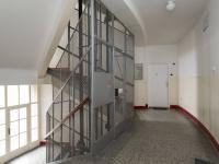 Chodba domu - Pronájem bytu 3+1 v osobním vlastnictví 79 m², Praha 4 - Podolí