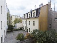 Pohled do dvora - Pronájem bytu 3+1 v osobním vlastnictví 79 m², Praha 4 - Podolí
