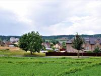Pohled z pozemku na Čerčany - Prodej pozemku 1930 m², Čerčany
