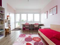Dětský pokoj s lodžií - Prodej domu v osobním vlastnictví 197 m², Praha 4 - Podolí