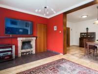 Obývací pokoj propojený s jídelnou - Prodej domu v osobním vlastnictví 197 m², Praha 4 - Podolí