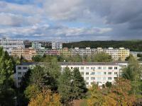 Pohled z chodby na severní stranu - Pronájem bytu 1+1 v osobním vlastnictví 27 m², Praha 4 - Krč