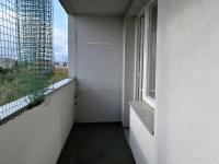 Lodžie s posuvnou ochrannou sítí - Pronájem bytu 1+1 v osobním vlastnictví 27 m², Praha 4 - Krč