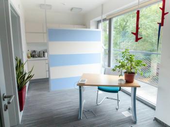Recepce - ilustrační rozmístění nábytku - Pronájem kancelářských prostor 100 m², Praha 4 - Hodkovičky