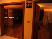 Pohled z haly - Pronájem domu v osobním vlastnictví 190 m², Praha 6 - Lysolaje