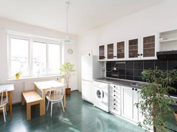 Prodej bytu 2+1 v osobním vlastnictví, 66 m2, Praha 4 - Podolí
