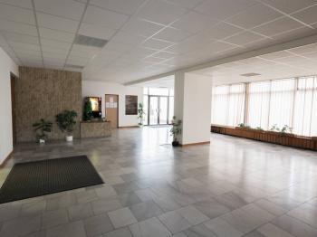 vestibul hlavní budovy - Pronájem kancelářských prostor 13 m², Praha 3 - Žižkov