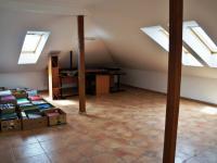 Pokoj v patre - Prodej domu v osobním vlastnictví 248 m², Psáry