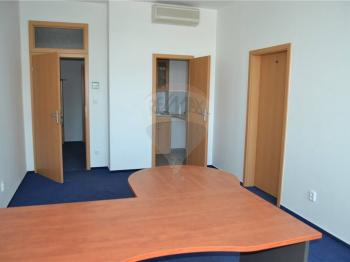 nábytek, kuchyňky ... - Pronájem kancelářských prostor 600 m², Prostějov