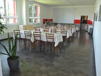 možnost stravování v areálu - Pronájem komerčního objektu 4500 m², Prostějov