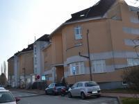 pohled na bytový dům - Prodej bytu 5+kk v osobním vlastnictví 320 m², Praha 10 - Dolní Měcholupy