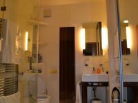 sociální zázemí - Prodej bytu 5+kk v osobním vlastnictví 320 m², Praha 10 - Dolní Měcholupy