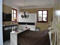 ložnice (Prodej domu v osobním vlastnictví 167 m², Vlastibořice)
