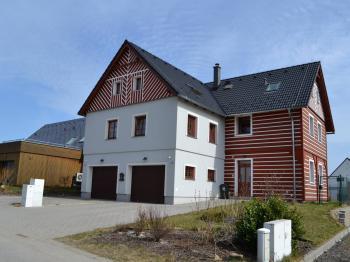 pohled na ŘRD - Prodej domu v osobním vlastnictví 167 m², Vlastibořice