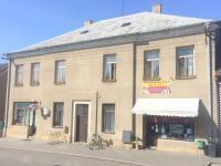 Prodej komerčního objektu 620 m², Dymokury